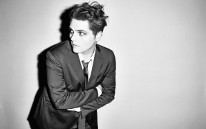 Gerard Way publica otra nueva canción, 'Getting Down The Germs'
