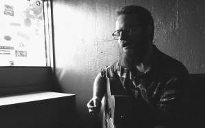 Aaron West & The Roaring Twenties publica nueva canción