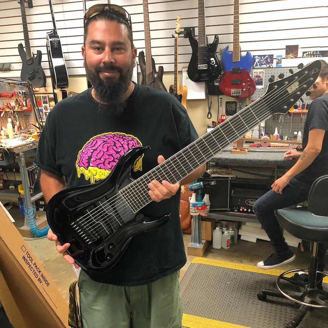 Guitarra de nueve cuerdas Stephen Carpenter