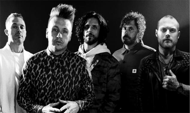Papa Roach y Danny Worsnop